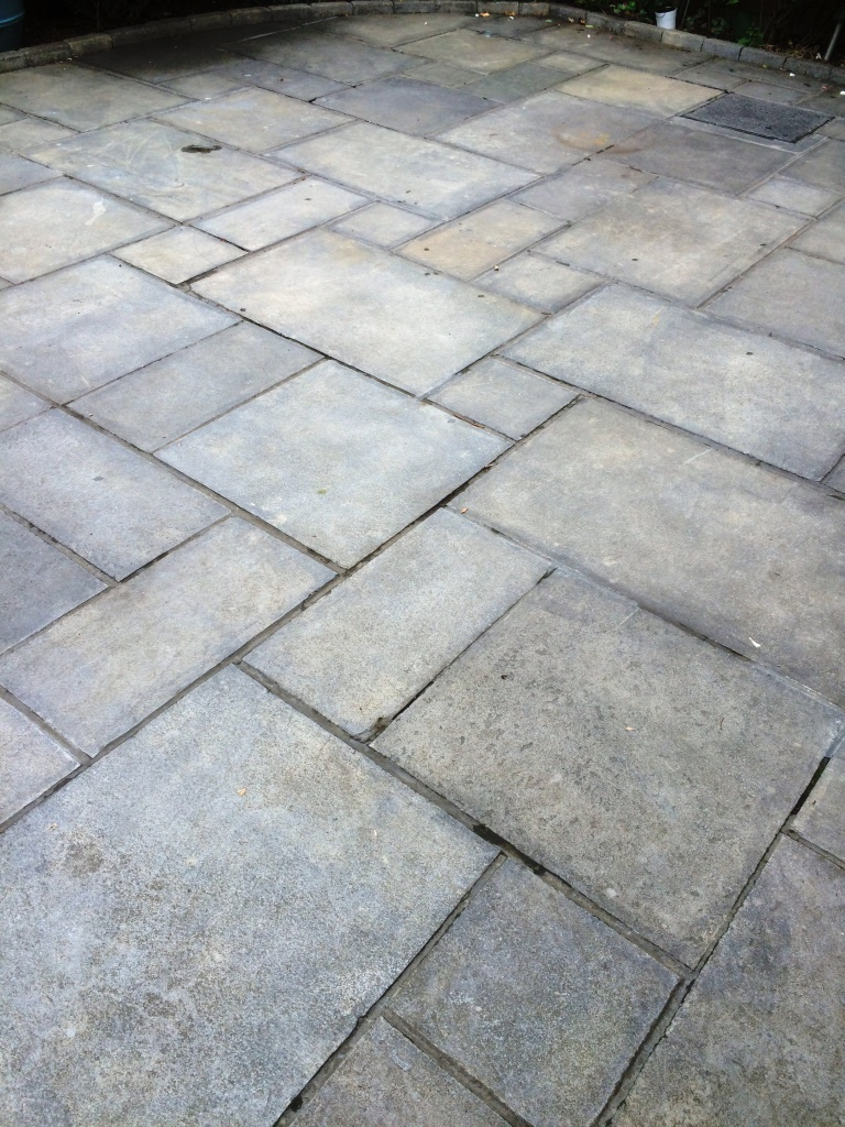 Resolving Sealing Problems With A Limestone Patio Stone